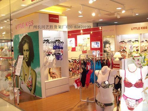 女性服装店装修图片欣赏