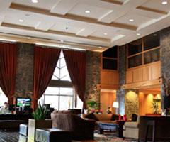 加拿大蓝湖边的酒店 优雅古堡气质