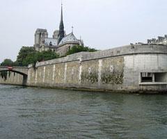 巴黎圣母院  庄严雄伟的建筑