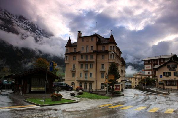 童话般的阿尔卑斯山间小镇