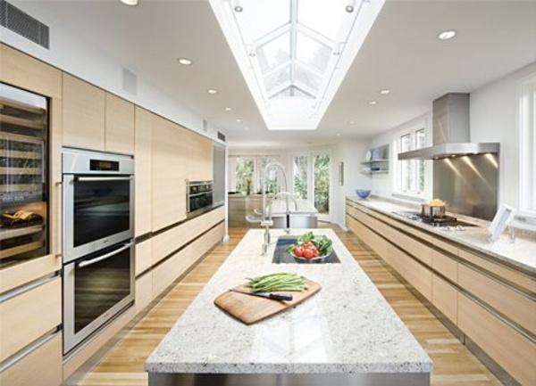 纽约郊区别墅中的大厨房图片