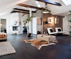 充满艺术气息的200平方米复式公寓