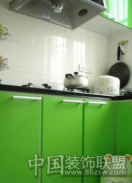 浅绿色欧式橱柜效果图
