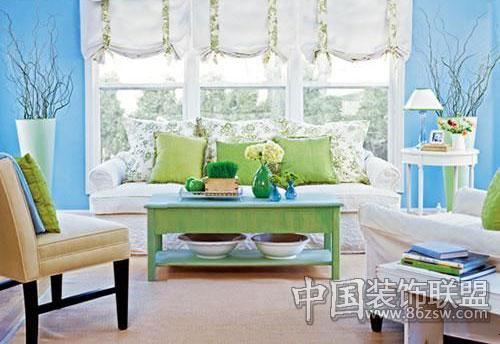 浅蓝色欧式大花客厅装修效果图