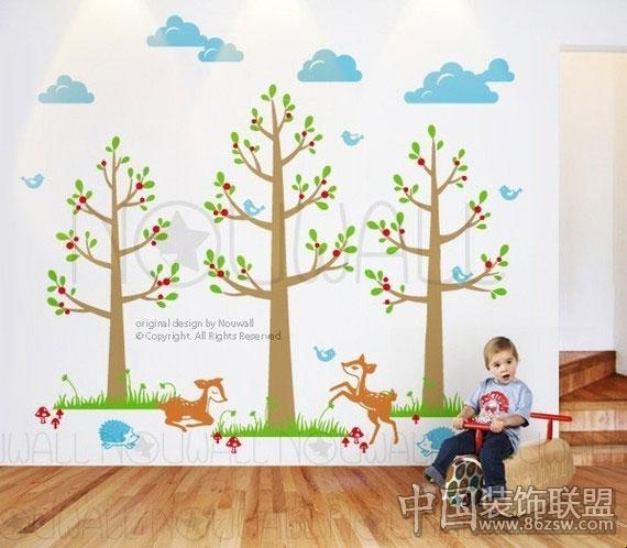 充满童趣的儿童房背景墙