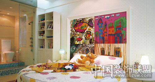 儿童房的设计突破了空间的束缚,采用了开放式空间设计和童真主题背景