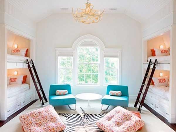 让子女体验寝室生活的双层床