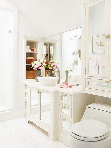 卫浴小空间清爽收纳方式