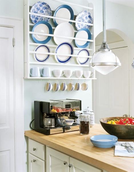 夏日厨房餐具的收纳与调整