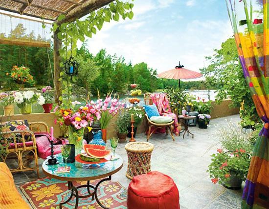 将露台打造成清新的秘密花园