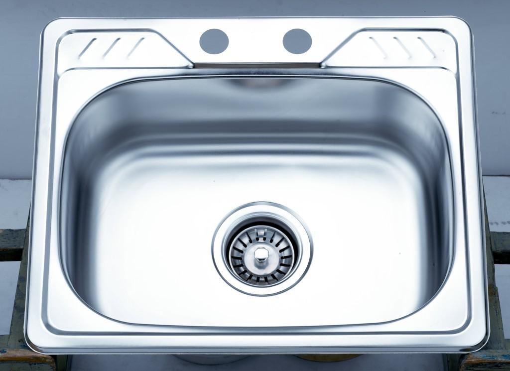水槽材质多 如何做好清洁保养工作