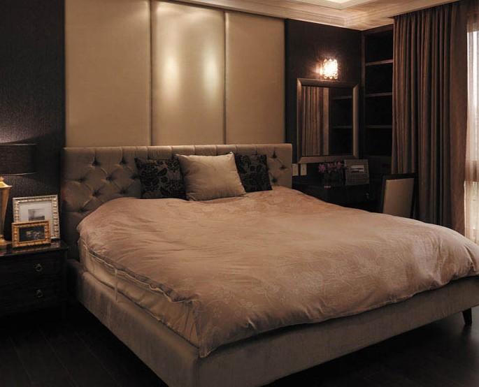 卧室也能这样妩媚与迷人
