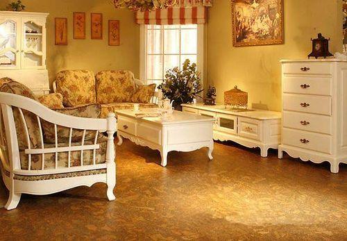 装修指南 装修知识 软木地板的保养方法  1,地板安装24小时后才可把