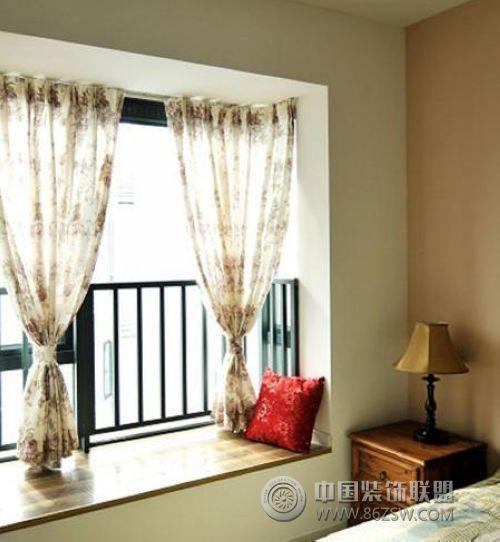 如何安装飘窗窗帘