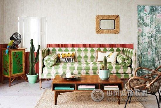 客厅沙发背景墙打造绝佳色彩个性空间