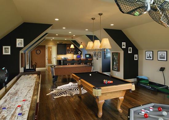 想要在家中装修出一个娱乐室,首先你要有够大的房子!