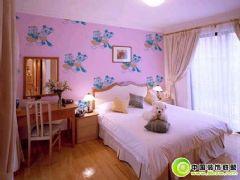 墙纸打造卧室的温馨