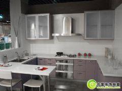简单的厨房整体橱柜效果图