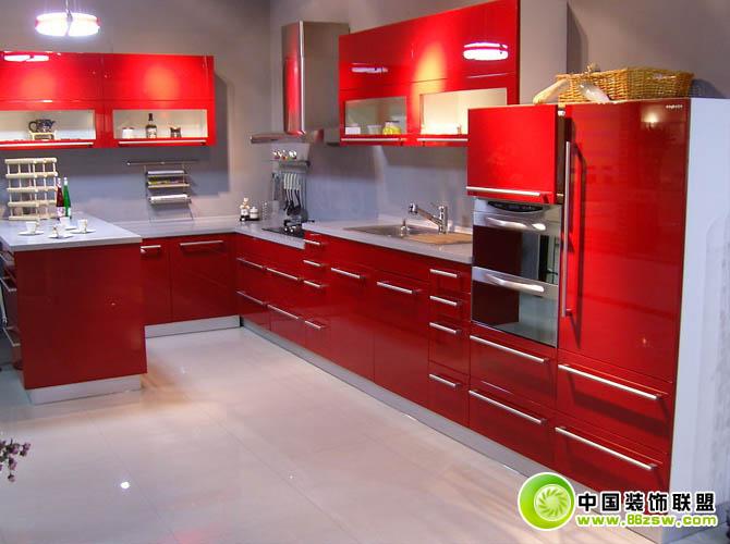 高清紅色櫥柜效果圖現代廚房裝修圖片