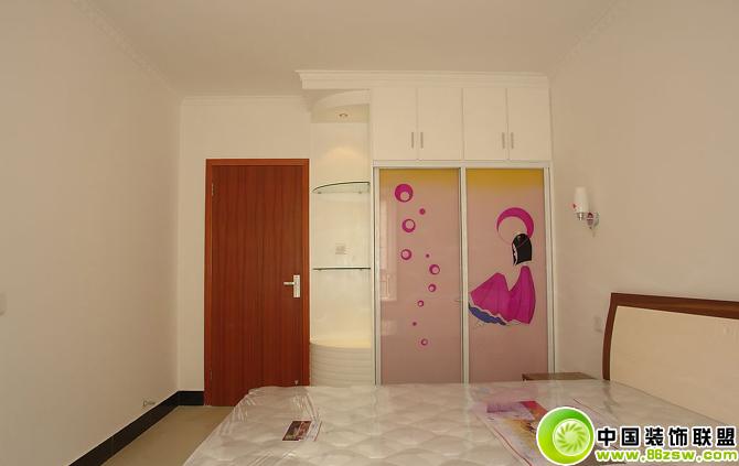 实拍简约卧室布置图-儿童房装修效果图-八六(中国)装饰联盟装修效果图