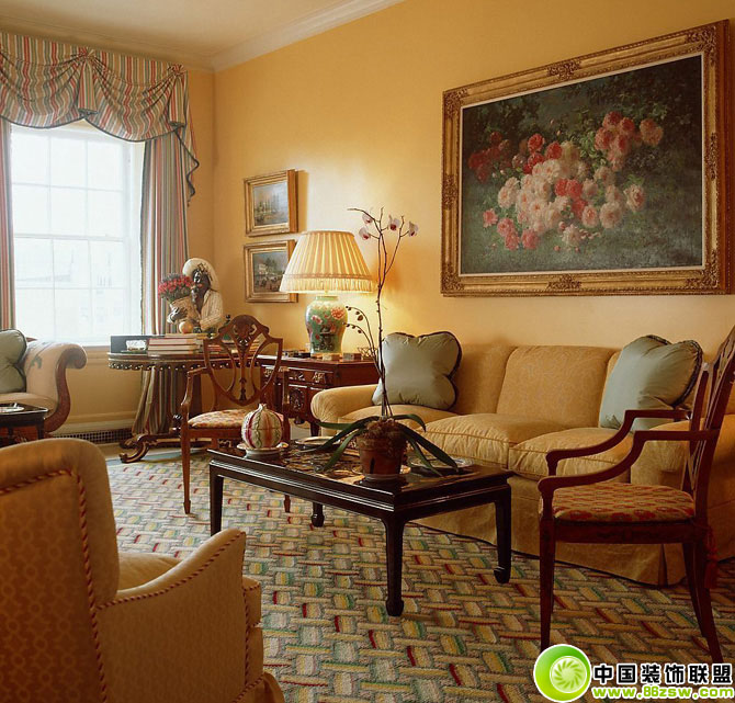 客厅沙发茶几台灯欧式客厅装修图片