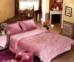 高贵神秘 情人节紫色床品营造浪漫满屋