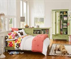 清爽的薄荷绿搭配柔雅的米白色,很清凉很舒适。