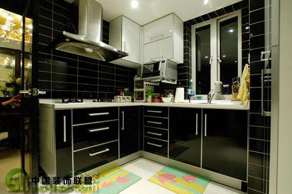 黑白经典打造个性空间 - 厨房整套大图展示_欧式小户型装修效果图_八六装饰网装修效果图库(86zsw.com)