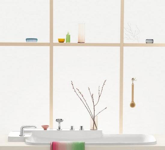 白色调浴室装修风 咸受纯洁宁静柔和