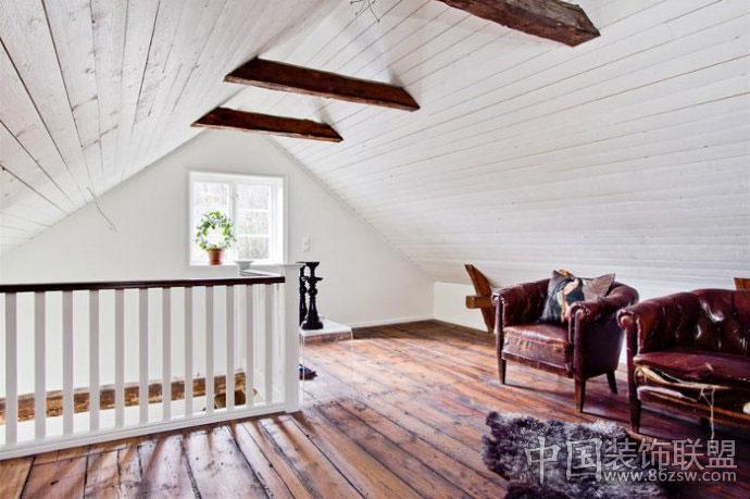 木质家具打造清新质朴别墅古典阁楼装修图片