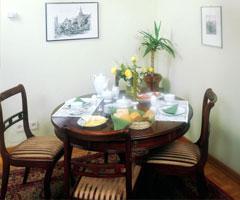 品味生活 食物与餐桌的亲密结合