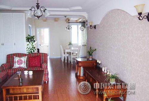 欧式田园风格三居室欧式客厅装修图片