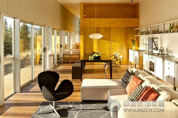 山里中的小别墅 时尚舒适现代客厅装修图片