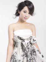 杨紫最新写真  展现女性美姿