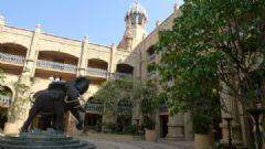 南非金碧辉煌的六星级皇宫酒店