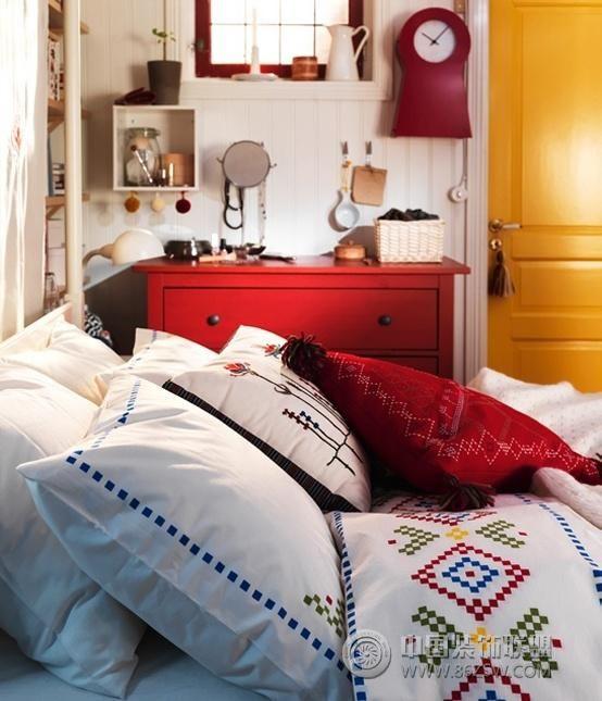 宜家2011最新家居设计简约卧室装修图片