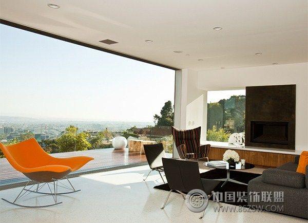 加州豪宅区的一幢别墅现代客厅装修图片