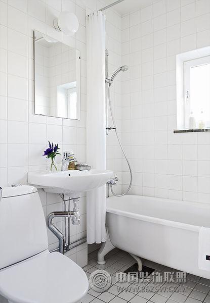 54平米纯白色复古公寓简约卫生间装修图片