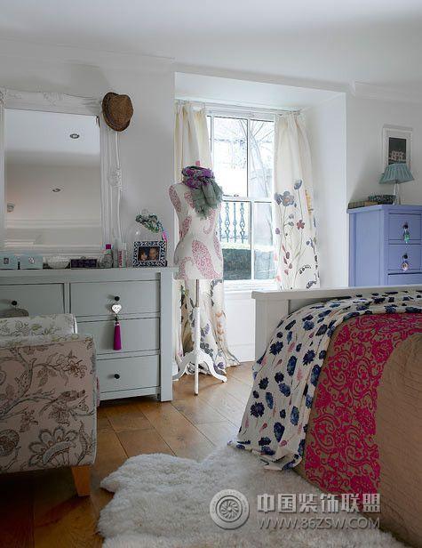 面积:40平米 费用:10-20万 户型:公寓 色调:蓝色 居室:未注明 设计