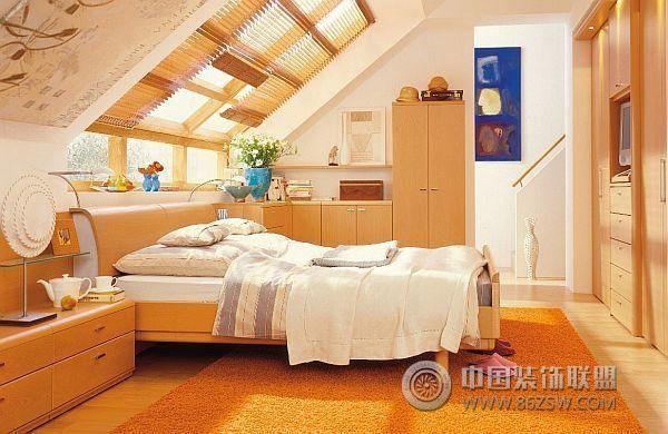 超酷的阁楼卧室设计二_简约错层装修效果图_八六(中国