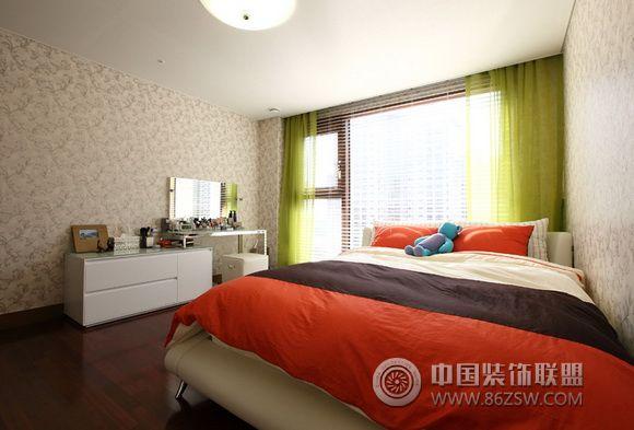 5万打造95平米简约三居 卧室装修效果图 www.86zsw.com