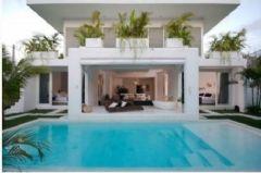 巴厘岛双层白别墅