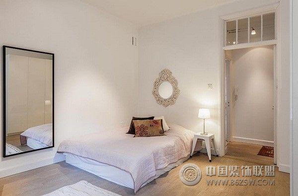 梦幻阁楼现代卧室装修图片