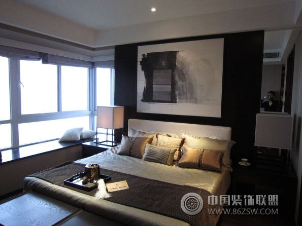 重庆复地天玺样板房中式卧室装修图片