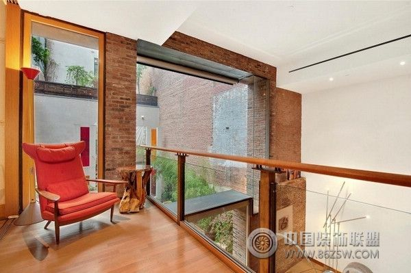 精心设计的复式公寓-阁楼装修效果图-八六(中国)装饰图片
