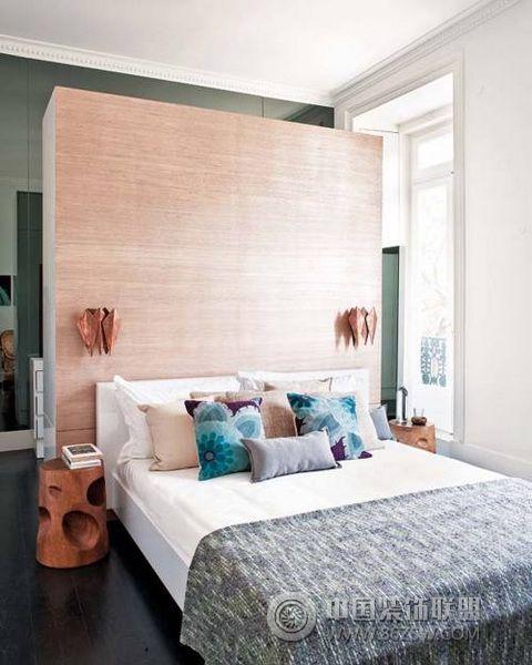 现代卧室装修图片
