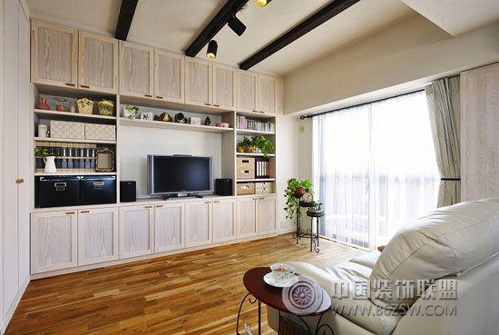 67平米日本小户型简约客厅装修图片