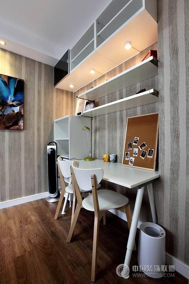 82平黑白经典婚房 客厅装修效果图高清图片