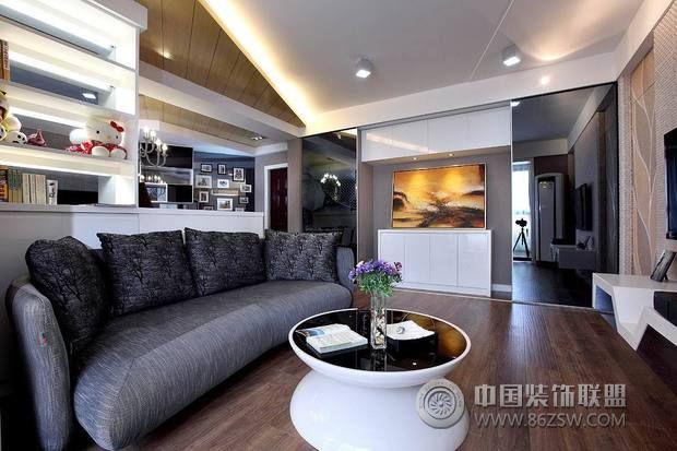 82平黑白经典婚房客厅装修图片