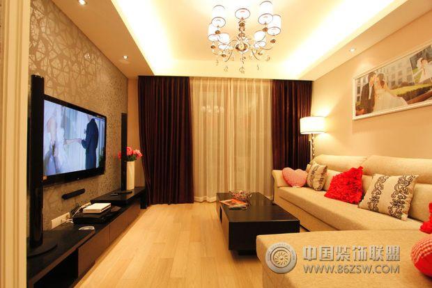 90平米婚房客厅装修图片